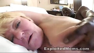 Blonde dilettante mamma acquires screwed hard in dark ramrod movie scene