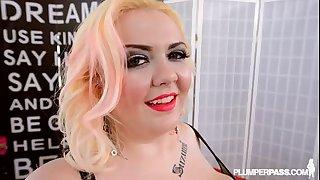 Plump blond hottie suzumi wilder gives massage to giant weenie