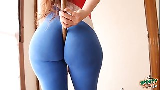 Big arse! small waist! explosive combination! sporty latin babe!