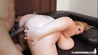 Sexy golden-haired milf tiffany blake takes on bbc hunk