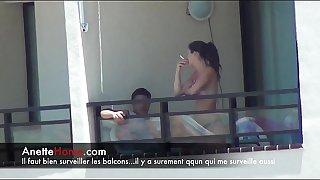Masturbation sur mon balcon avec des voyeurs francais