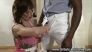 Mature white lady sonia receives interracial