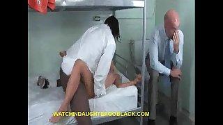 Dad sees daughter bonks dark