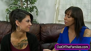 Stepmom teaches oral-job