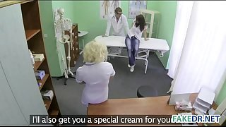 Horny assistant hits on her patient