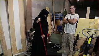 Tour of arse - us soldier takes a liking to hot arab servant