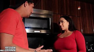 Indian latin babe maid makes up for not cooking