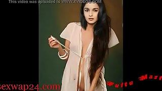 Alia Bhatt bollywood Nipple and chest (sexwap24.com)
