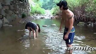 KOREA1818.COM - Hot Korean Upskirt Outside