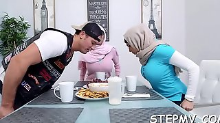 3some with 2 women
