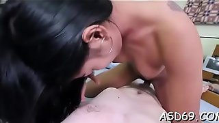 Thai playgirl shows her fine tits